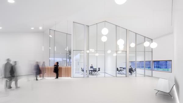 Architettura sostenibile: la nuova sede di Norvento Building, azienda spagnola specializzata nelle fonti di energia alternative